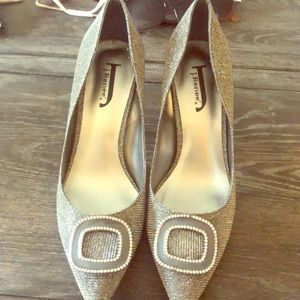 Beautiful 2 inch sparkly heels by J. Renee size 9